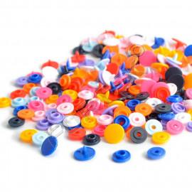Пластиковые кнопки для одежды