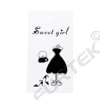 Прямоугольная картонная бирка из мелованного картона с отверстием для женской одежды