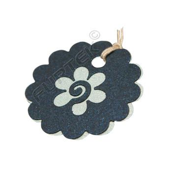 Вырубная бирка-цветок из фактурного картона