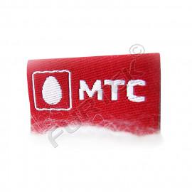 Вшитый жаккардовый ярлык 7х25 мм красный с белым