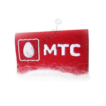 Вшивной жаккардовый ярлык 7х25 мм красный с белым