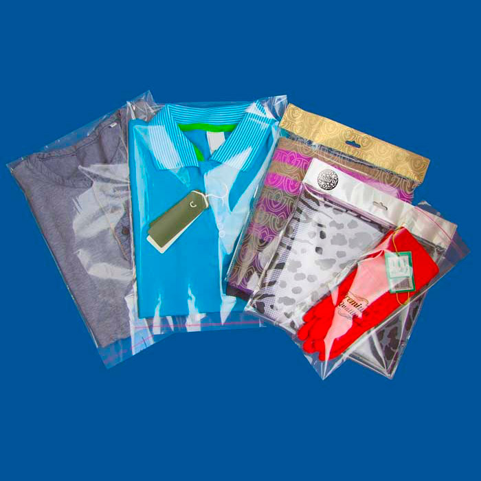 пример бопп пакетов с одеждой запечатаных