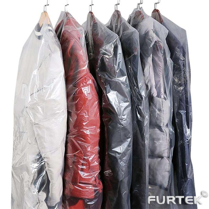 Одежда в упаковочных пакетах