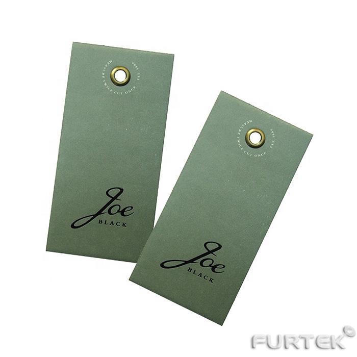 Две зеленые картонные бирки с люверсом