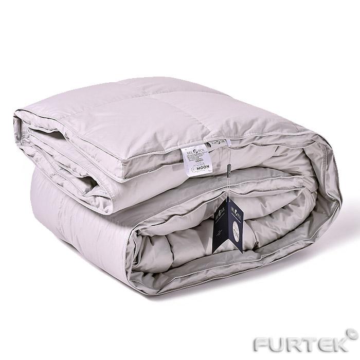 Одеяло с биркой и этикеткой