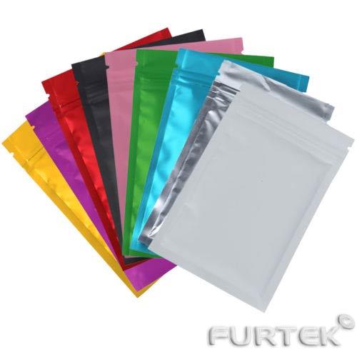 Ассортимент разноцветных зип пакетов