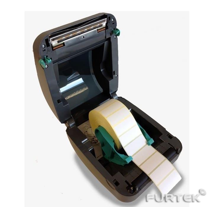 Термотрансферная лента заряжена в принтер Zebra GX430t