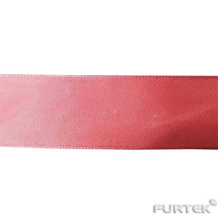 атласная лента красная