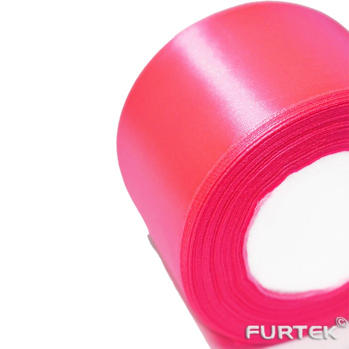 Кусок атласной ленты премиум розовой шириной 25 мм