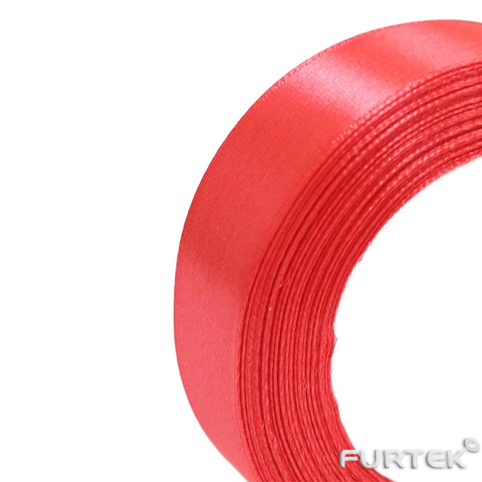 Лента сатиновая ярко-красного цвета шириной 30 мм