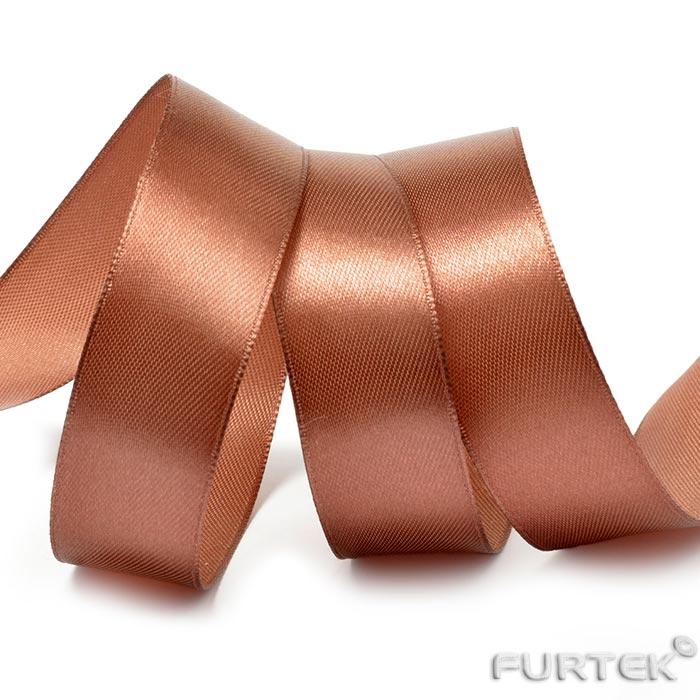 Лента сатиновая коричневая в рулонах по 100, 200 и 400 м.
