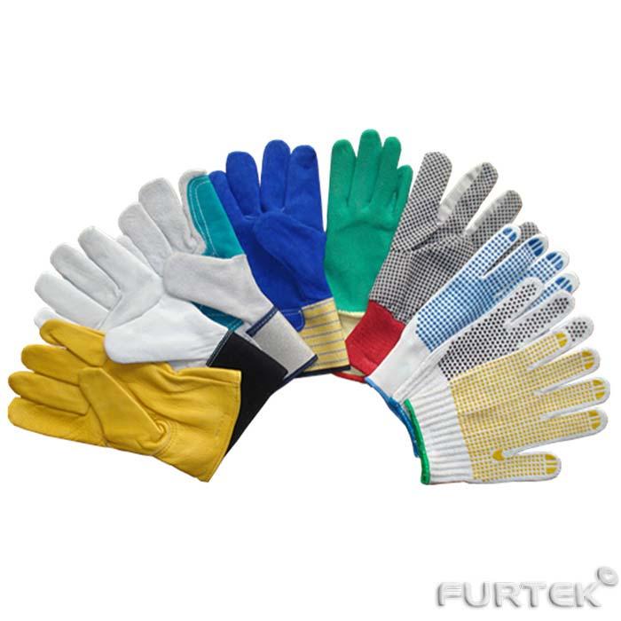 Показаны рабочие перчатки разных видов и цветов для демонстрации ассотримента